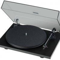 Jakie aspekty należy uwzględnić przy wyborze gramofonu?
